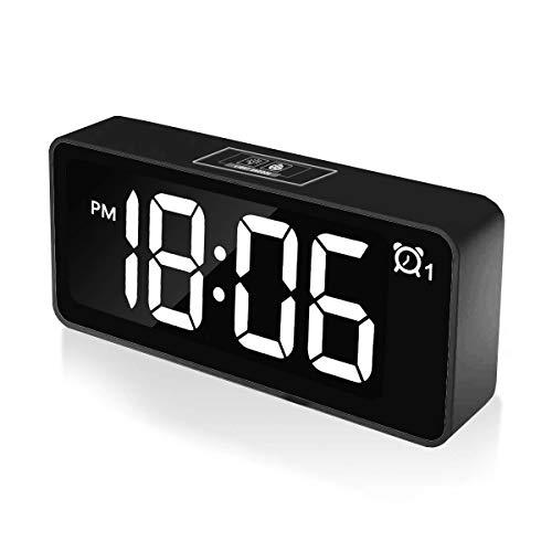 """CHEREEKI Sveglia Digitale, 4.6"""" LED Grande Schermo Doppio allarmi Sistema Sistema 12/24 Ore 25 Musica, Funzione di Snooze, 3 Livelli di luminosità Presa USB per Casa e Ufficio"""